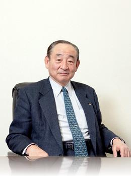 代表取締役社長 八幡公造